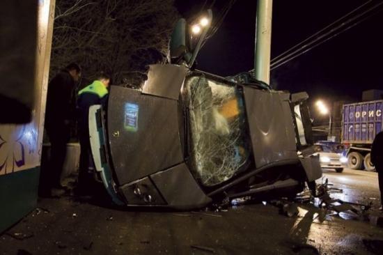 Секс в автомобиле привел к аварии