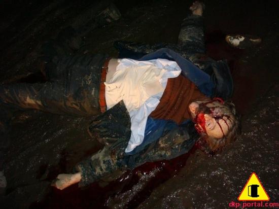 Фото труп жесть, фото поломанные ноги, труп в крови, труп в грязи, труп мужчины после ДТП