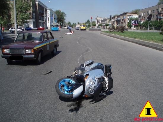 Фотография скутера после ДТП, разбитый скутер