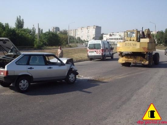 Вид справа автомобиля