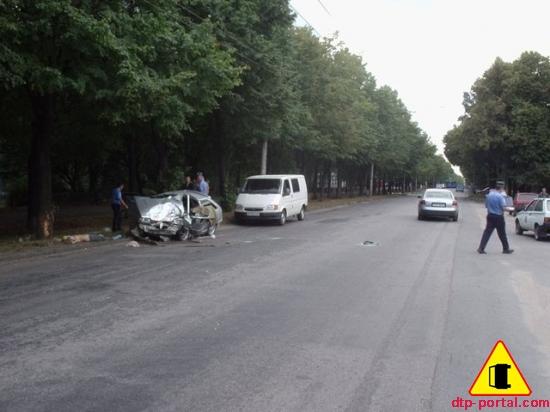 Пешеход и водитель, сбивший пешехода, погибли на месте ДТП