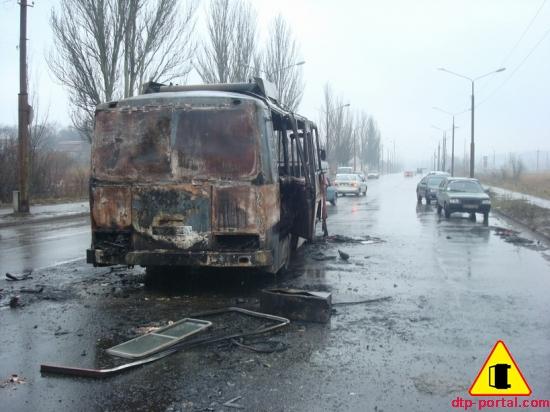 фото сгоревшего автобуса