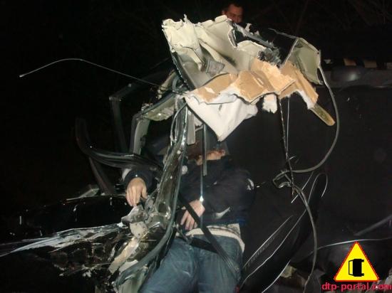 фото труп в автомобиле на месте дтп_thumb.jpg