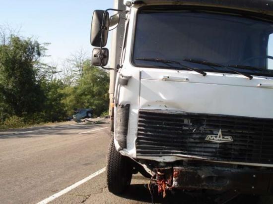 грузовик МАЗ по сле дтп с ВАЗ-21099.jpg