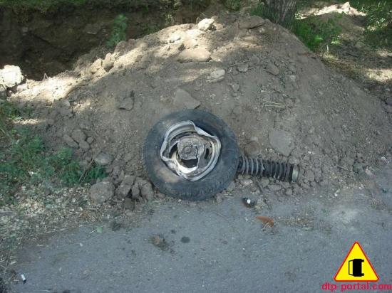 оторванное в дтп колес