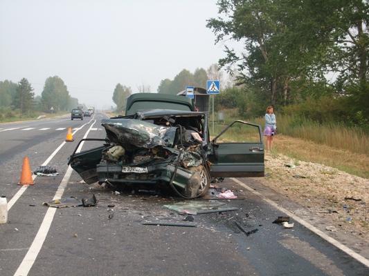 разбитый в дтп автомобиль ваз-2115