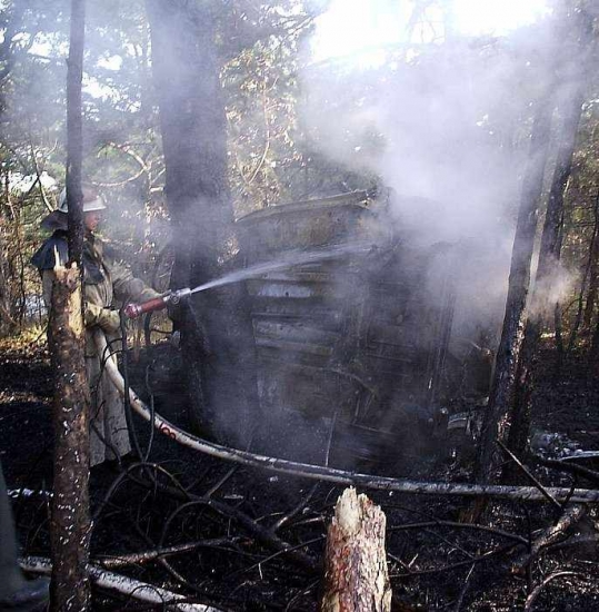 сгорел ситроен в лесу.jpg