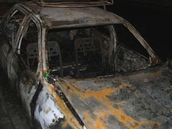 сгореший форд сиерра с прицепом-2.jpg