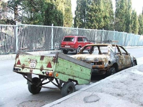 сгореший форд сиерра с прицепом-4.jpg
