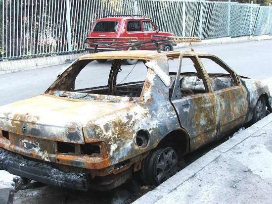 сгореший форд сиерра с прицепом-5.jpg