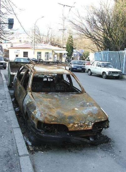 сгореший форд сиерра с прицепом-6.jpg
