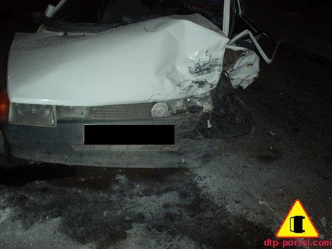 вид передней части ЗАЗ-1102 разбитого в ДТП